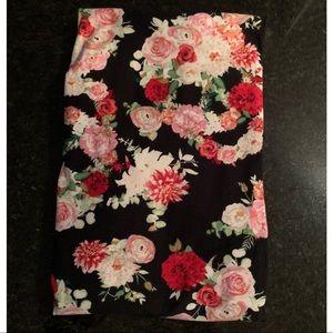 NWOT LulaRoe Floral Skull Leggings-Tall & Curvy TC